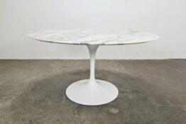 Knoll Eero Saarinen Tulip table