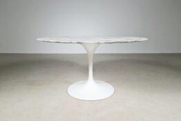 Eero Saarinen Tulip table, Knoll